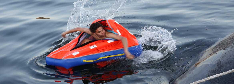 paddling-liferaft